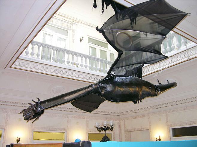 Dragon poliester 10 mtrs Exposición Señor de los Anillos