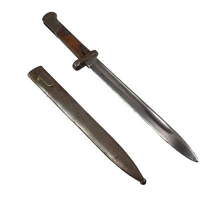 Bayoneta con funda metálica