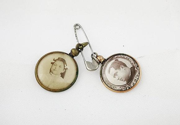 Medallitas con fotos de solapa años 40