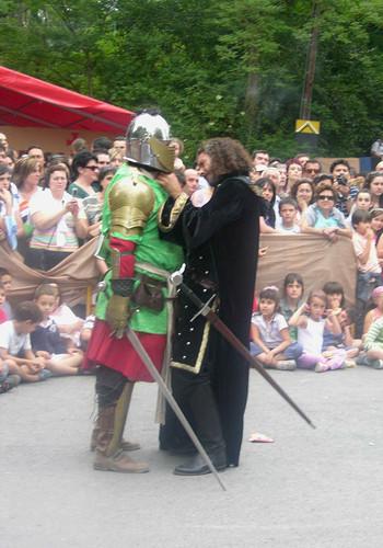 con armadura y espada