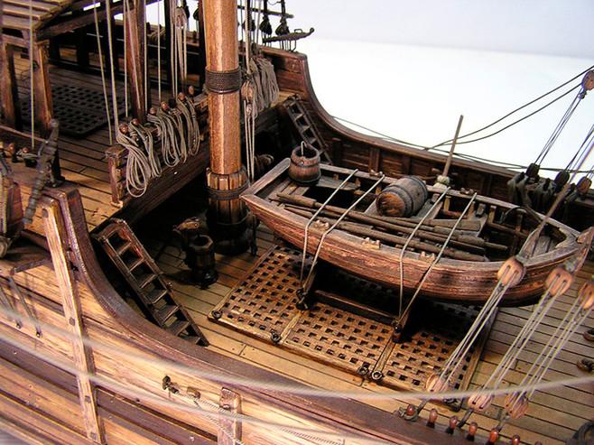 Detalle cubierta y bote