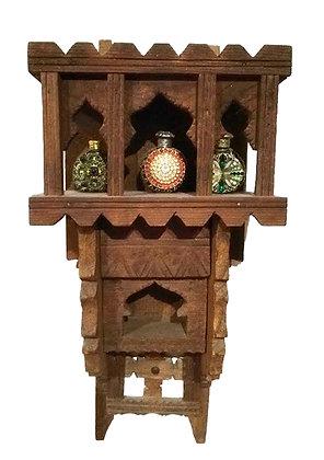 Muebles orientales para especias o perfumes