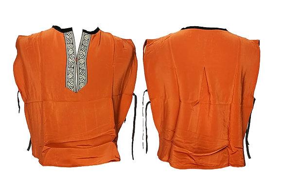 Camisola sin mangas en seda con adornos en escote