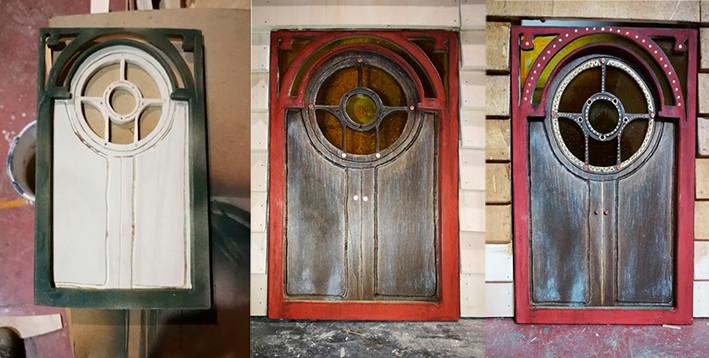 Puerta decorado hobbits.