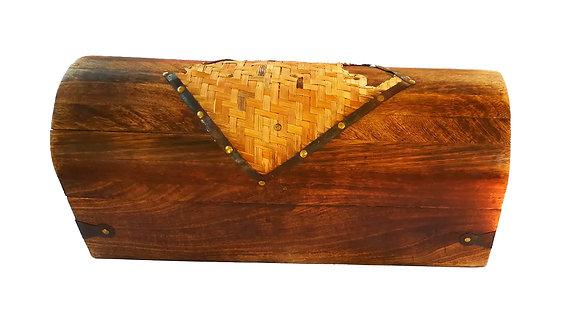 Pequeño cofre de madera