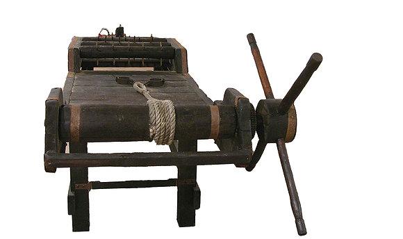 Potro de tortura múltiple, hierro y madera, funcional (2,10 metros)