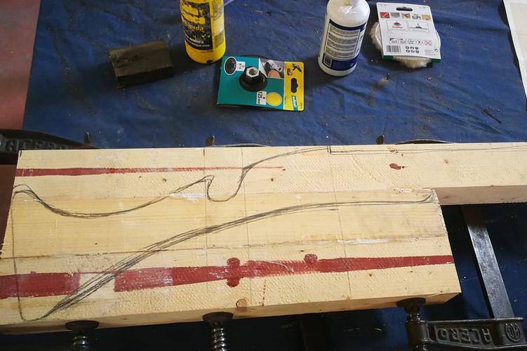 Realizacion dibujo sobre madera