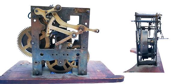 Mecanismo de engranajes antiguo reloj