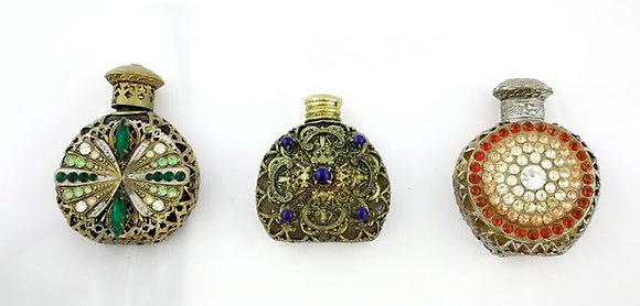 Antiguos recipientes para perfumes