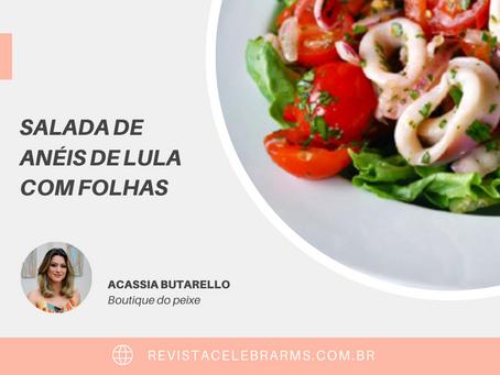 Salada de Anéis de Lula com Folhas