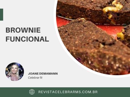 BROWNIE FUNCIONAL DE NOZES E CHOCOLATE GELADO
