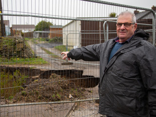 A large hole has appeared in Beacon outside Camborne, Cornwall – exposing an old mine shaft 10/3/20.