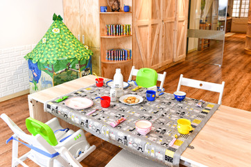 野餐風,慶生包場小巧溫馨 Available for birthday and picnic parties packages. (Party decorations option available)