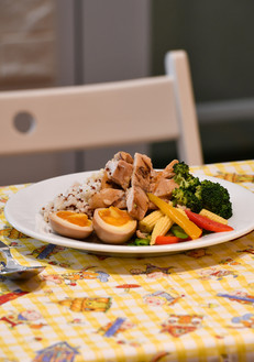 Come and enjoy a nice photo shoot in our kitchen. Bon Appetit!