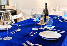 除親子共學外,亦可進行2~8人的會議包場,小型品酒會 You can also host 2-8 people meetings, wine tasting, or other activities. Cheers!