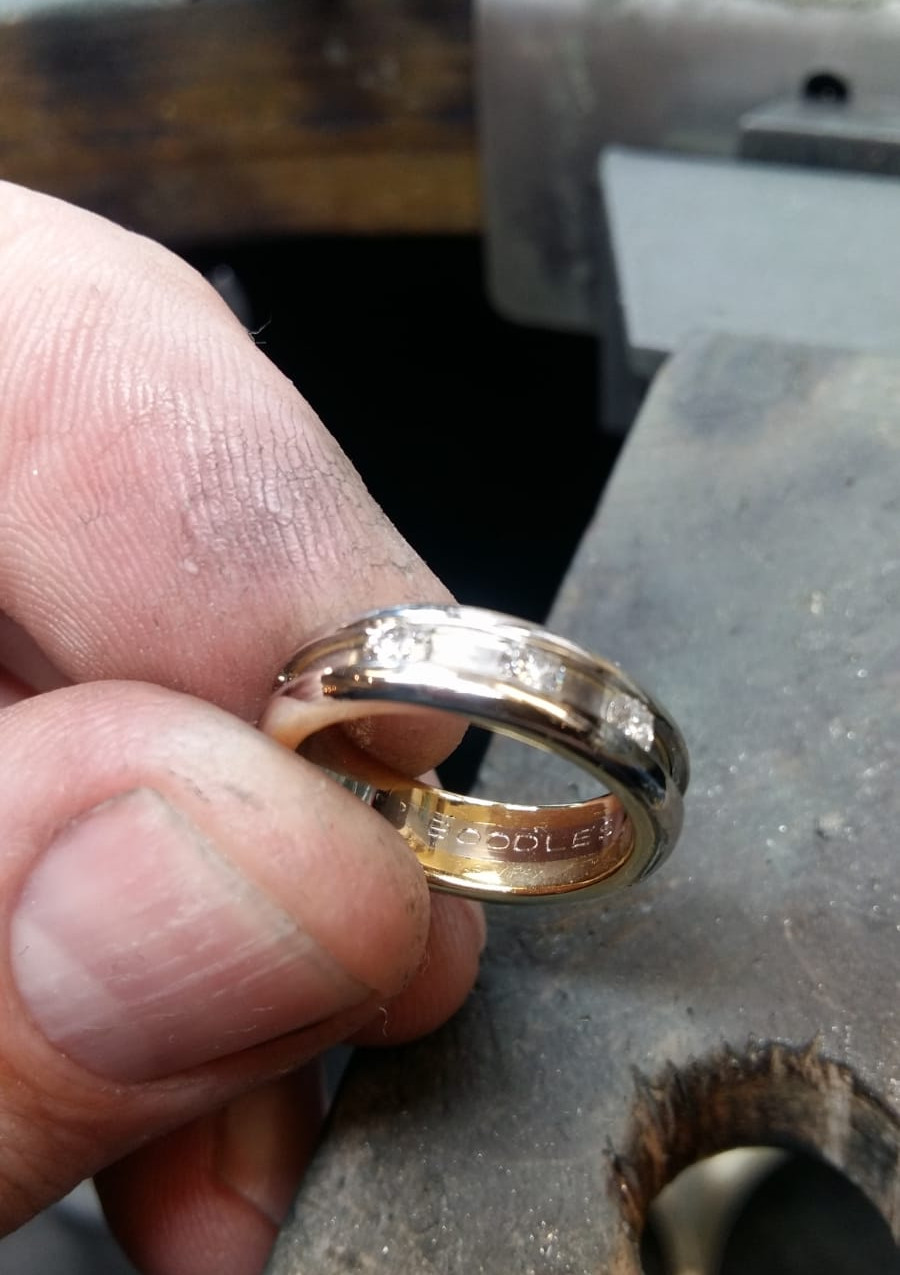 Finished platinum ring