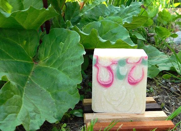 Red Berries & Rhubarb Soap