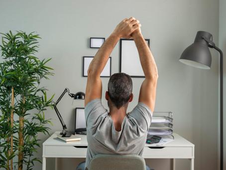 Home office: especialista dá 7 dicas para evitar dores no corpo