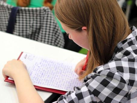 Estudantes podem se inscrever em concurso de contos sobre os direitos das mulheres