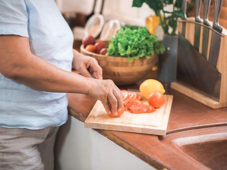 Terceira idade: a importância da nutrição para a manutenção da saúde na geriatria