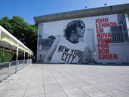 MIS reabre com exposição sobre John Lennon e bibliotecas retomam atividades