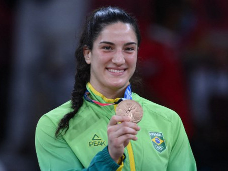 RESUMÃO DAS OLIMPÍADAS: bronze de Mayra Aguiar no judô e prata de Rebeca Andrade