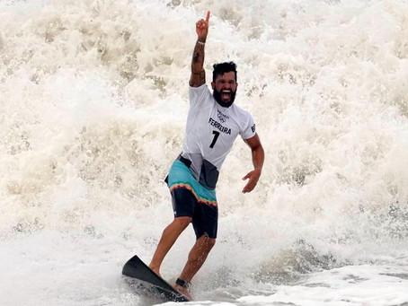 RESUMÃO DAS OLIMPÍADAS: medalha histórica no surfe e estreia na vela