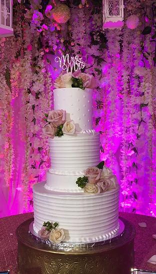 website wedding cake 2021b.png