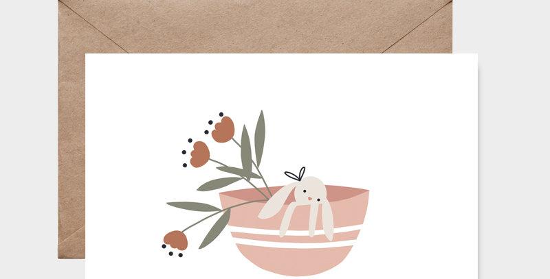 Carte postale - Post card - Doudou dans son panier Rose