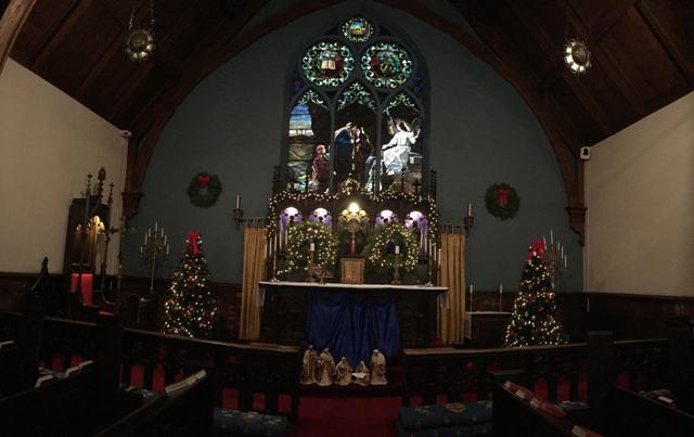 Altar - Christmas - Panorama.jpg