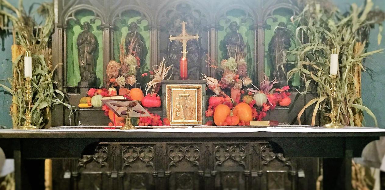 Altar - Fall (3).jpg
