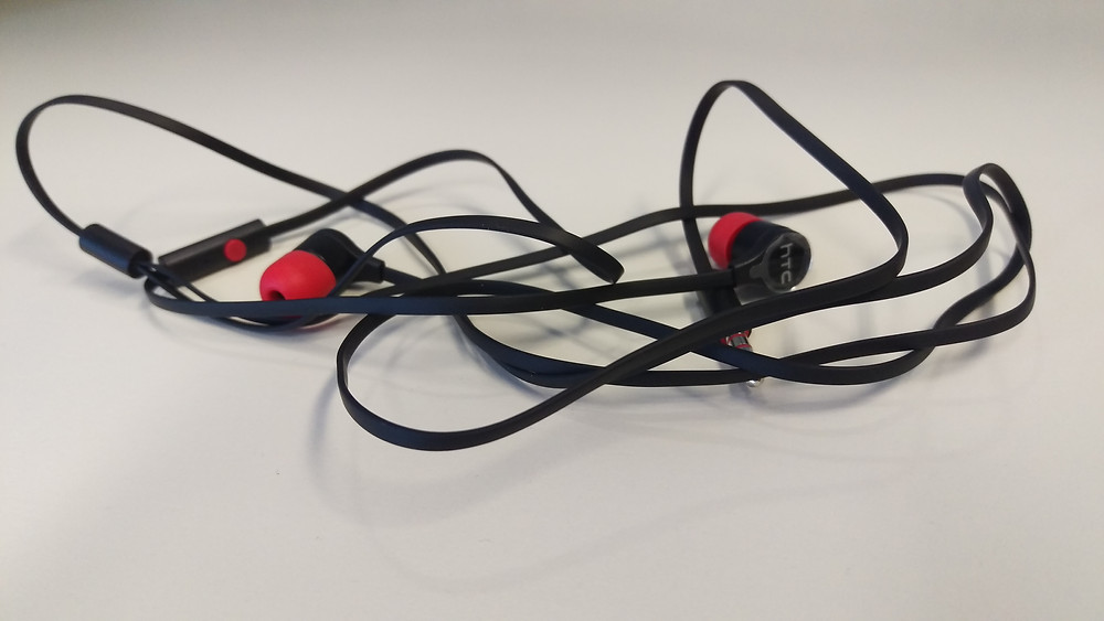HTC One M9 Headphones.jpg