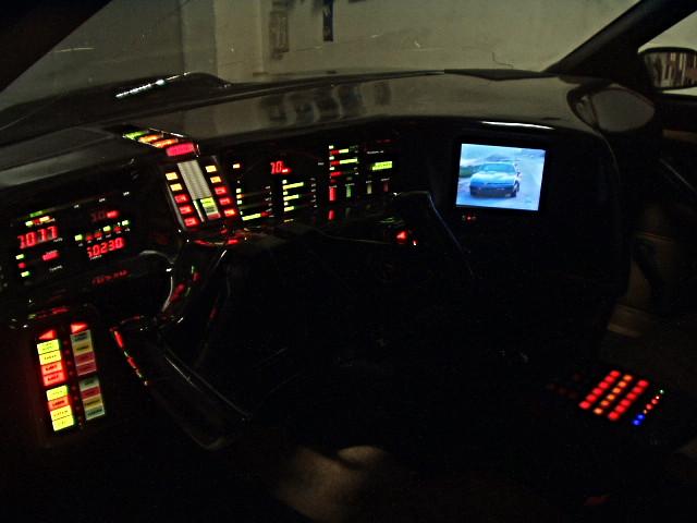 Knight_Rider_Supercar_KITT_instrumentation[1]_edited.jpg