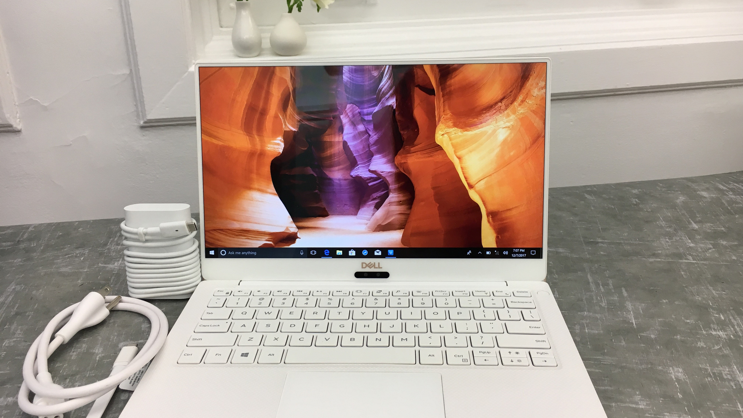 Dell XPS 13 (2018) Alpine White