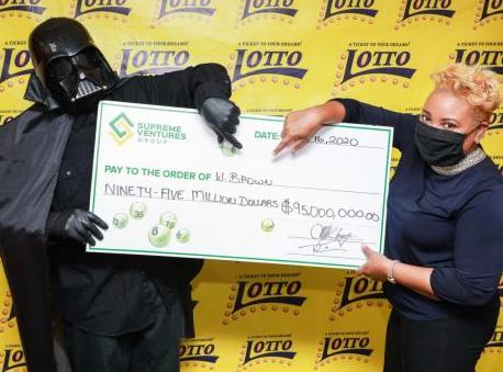 Kids Break Glass Castle, 1-Hr Pregnancy & Darth Wins Lottery
