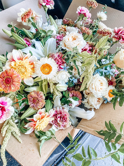 Fresh Monthly Floral Subscription - Medium (Napa only)