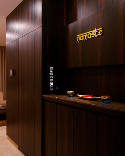 NAMASTE - Welcoming entrance