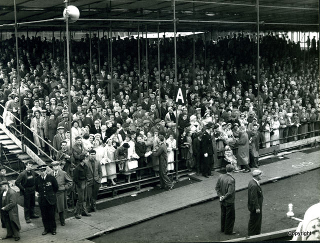 HMS Walrus Launch 1959 2