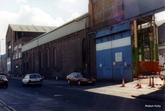 Kincaids East Hamilton St demolition 1993