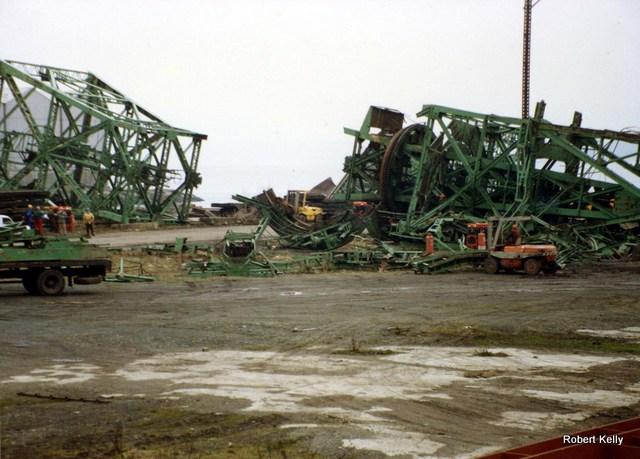 Kingston 1992 Slipway cranes demolished a