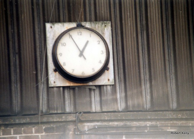 Kingston 1990 fitting out basin clock