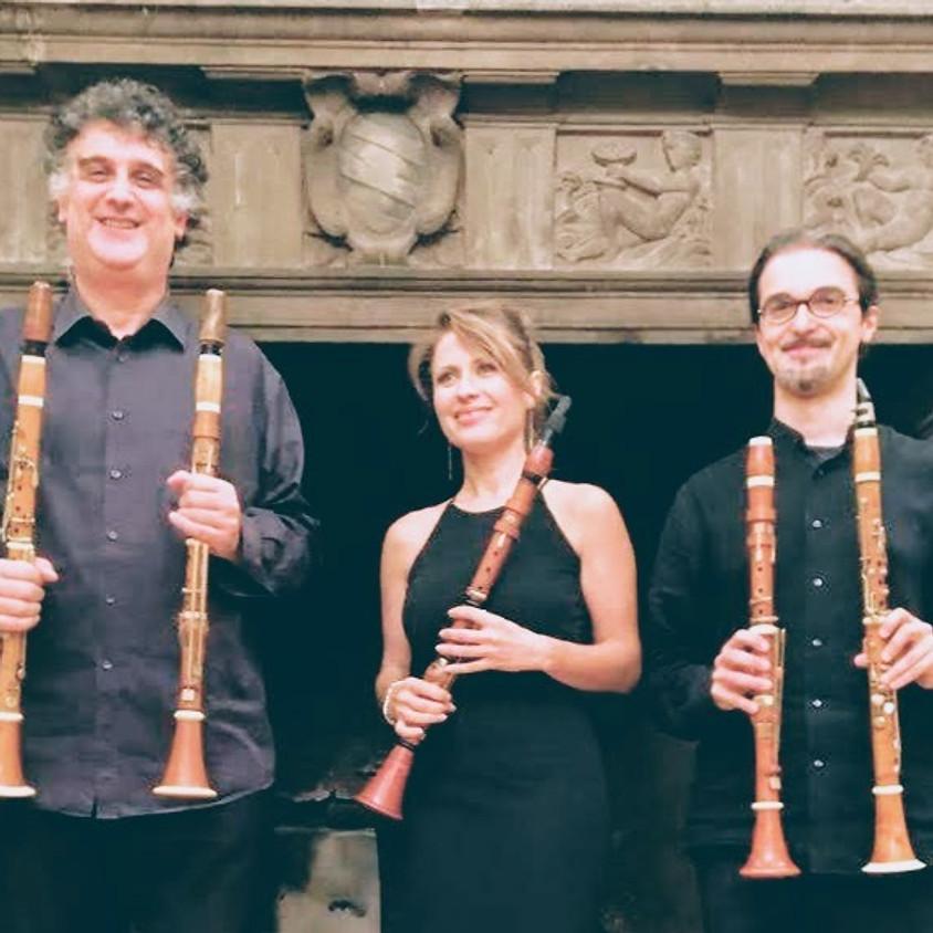 Clarionet Ensemble Antique Clarinets