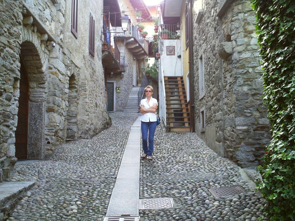 Passeggiata nel Borgo 1
