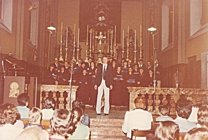 Coro San Vittore 1980.jpg