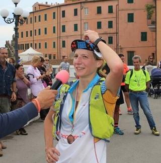 """Maria Elisabetta Lastri,  Ultratrailer """"made in Tuscany""""  domina la 100 miglia della  Bora"""