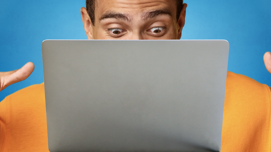 Laptop eyes blue 2.png