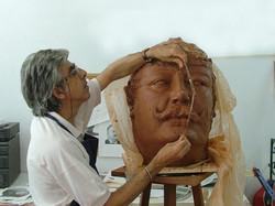 Dom Carlos, busto, barro