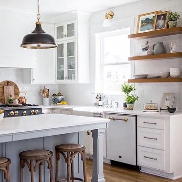 RTA Shaker White kitchen-2.jpg