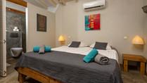 bedroom studio wayaka