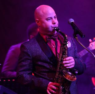 Singer/Saxophonist Erich Cawalla